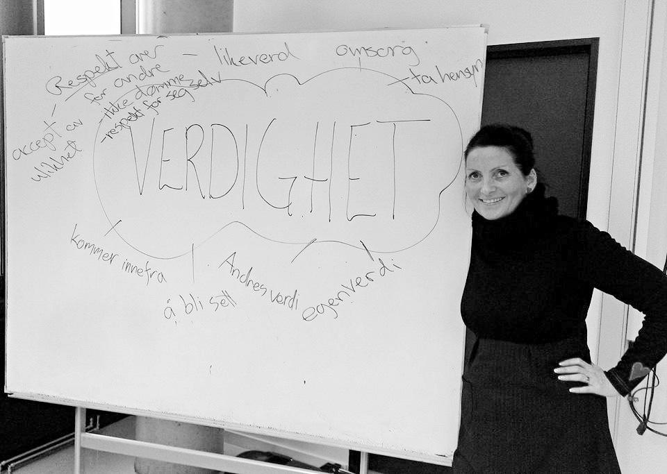 Veileder på Fyrstikkalléen vgs. Global Dignity Day 2013